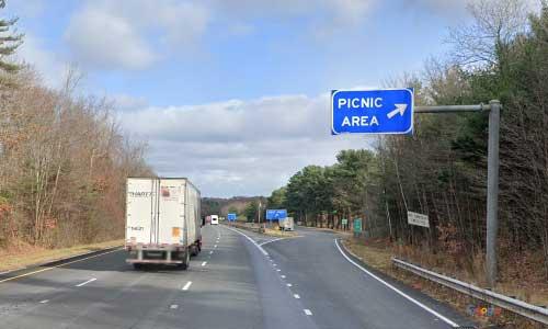 ma interstate 84 massachusettsr i84 picnic rest area mile marker 1 eastbound off ramp exit